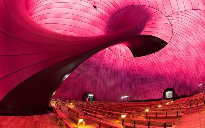 Inflatable Concert Hall (9 pics)