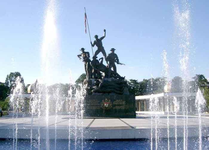 Tomb Of The Unknown Soldier From Around The World (37 pics)