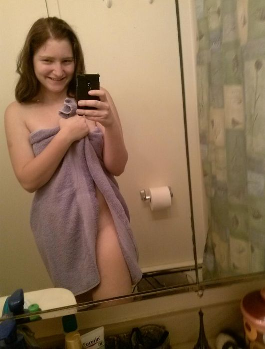Girls in Towels. Part 3 (25 pics)