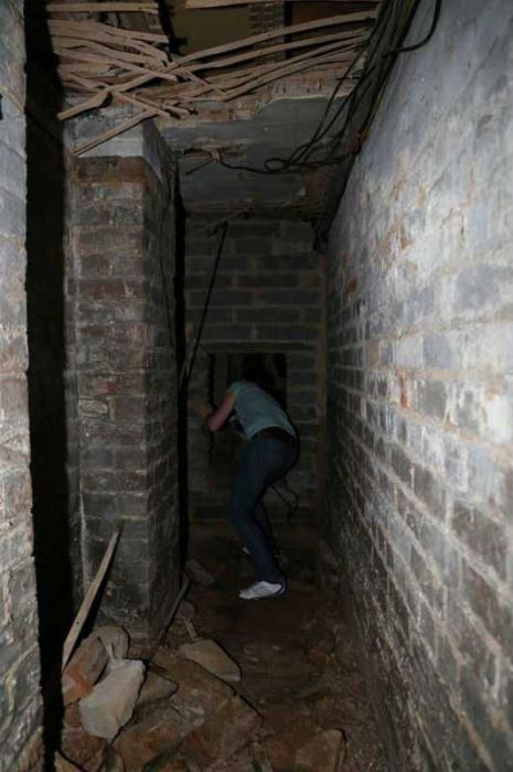 Secret Basement (13 pics)