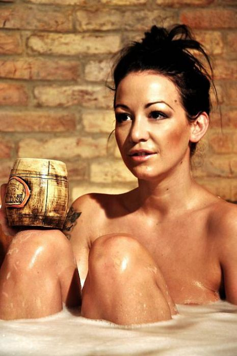 Beer Spa and Hot Girls (38 pics)