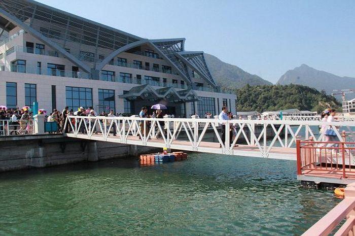 Bridge Collapses in China (9 pics)