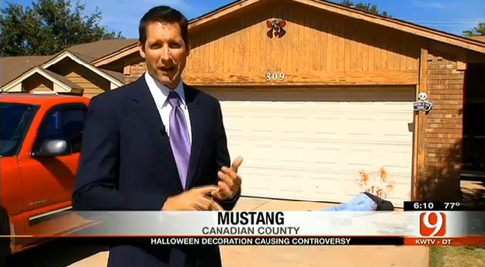 Halloween Decorations Causing Controversy (7 pics)