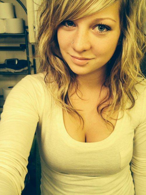 Cute Girls Make Selfies 43 Pics-6854