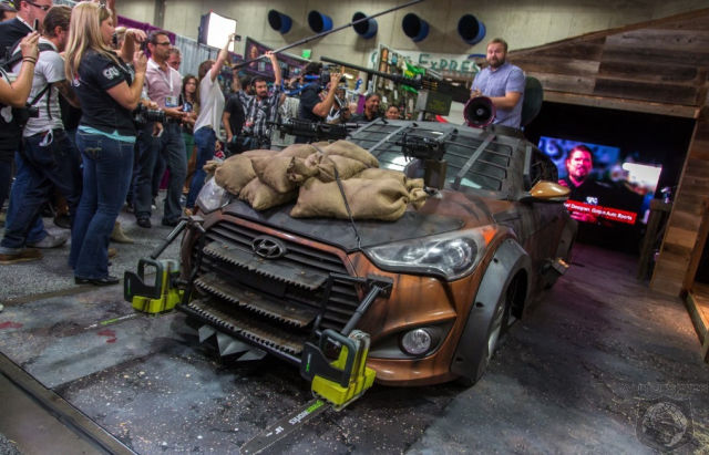 Anti-Zombie Car (19 pics)