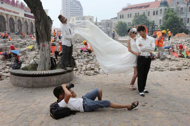 Unusual and Funny Weddings (61 pics)