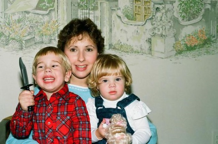 Weird Family Portraits (19 pics)