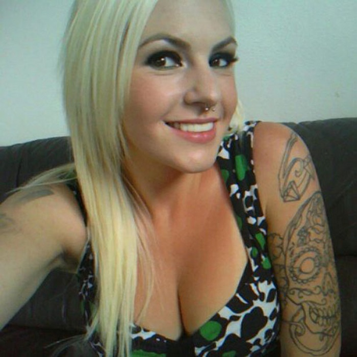 Girls With Tattoos (36 pics)