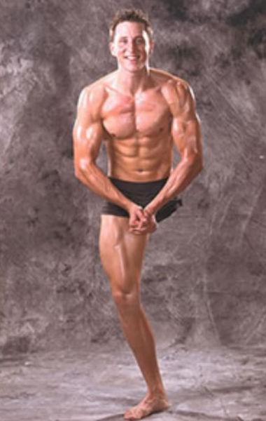 Strong Man Joshua Sundquist (16 pics)