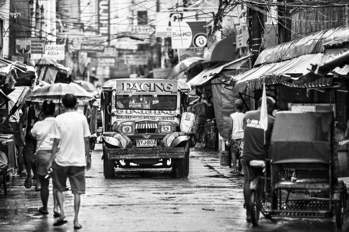 Philippine Street Life (52 pics)