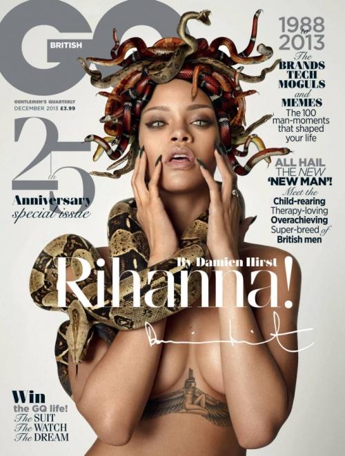Rihanna as Gorgon (4 pics)