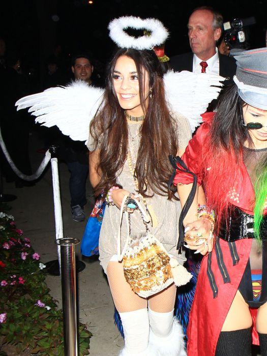 sc 1 st  AcidCow.com & 2013 Celebrities Halloween Costumes (48 pics)
