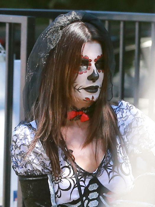2013 Celebrities Halloween Costumes (48 pics)