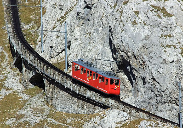 Pilatus Railway (6 pics)