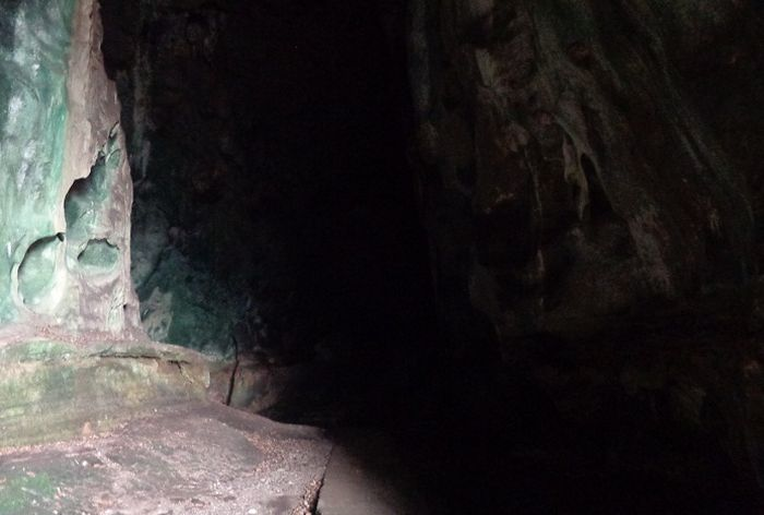 What is Hidden Inside This Cave (5 pics)