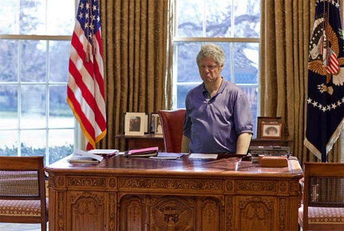 Displeased Bill Clinton Meme (31 pics)