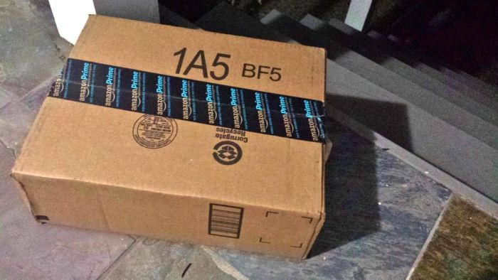 How to Deal With Someone Who Steals Your Packages (4 pics)