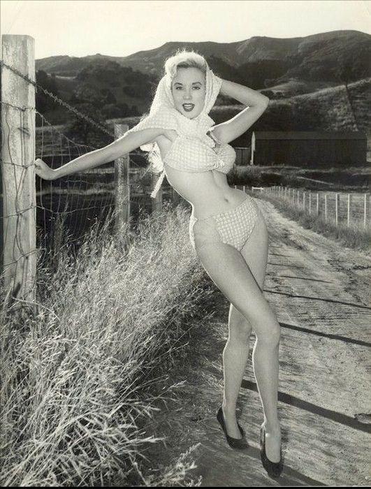 Betty Brosmer (51 pics)