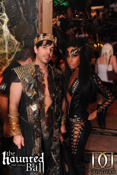 Donovan's Halloween Party (35 pics)