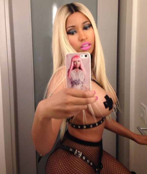 Nicki Minaj Halloween Costume (4 pics)