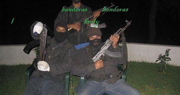 Drug Cartel Members on Facebook (16 pics)