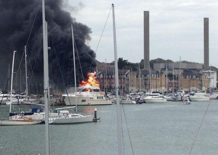 A Multi-Million-Dollar Superyacht Caught Fire (5 pics)