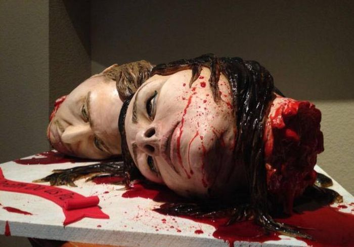 The Most Gruesome Wedding Cake (7 pics)