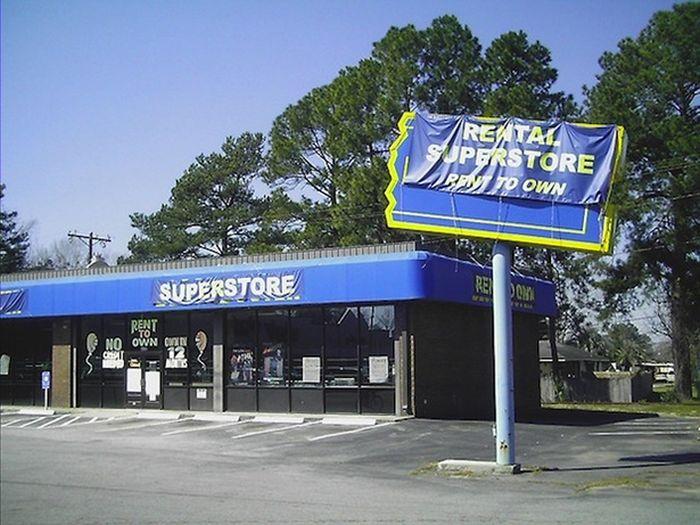 RIP Video Stores (11 pics)