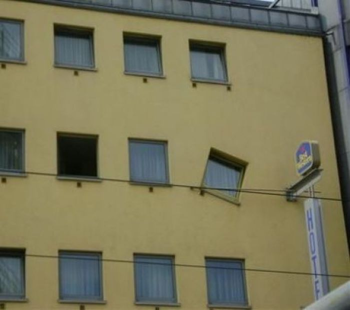 Very Bad Architect Jobs (32 pics)
