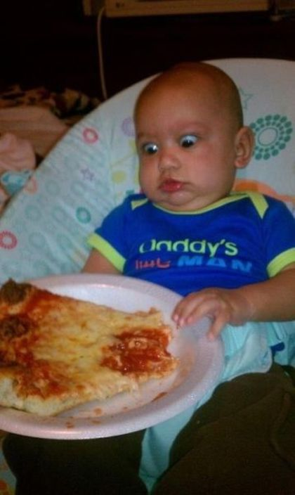 Babies and Food (17 pics)