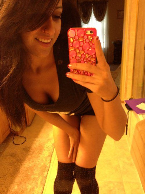 Girls and Mirrors (44 pics)