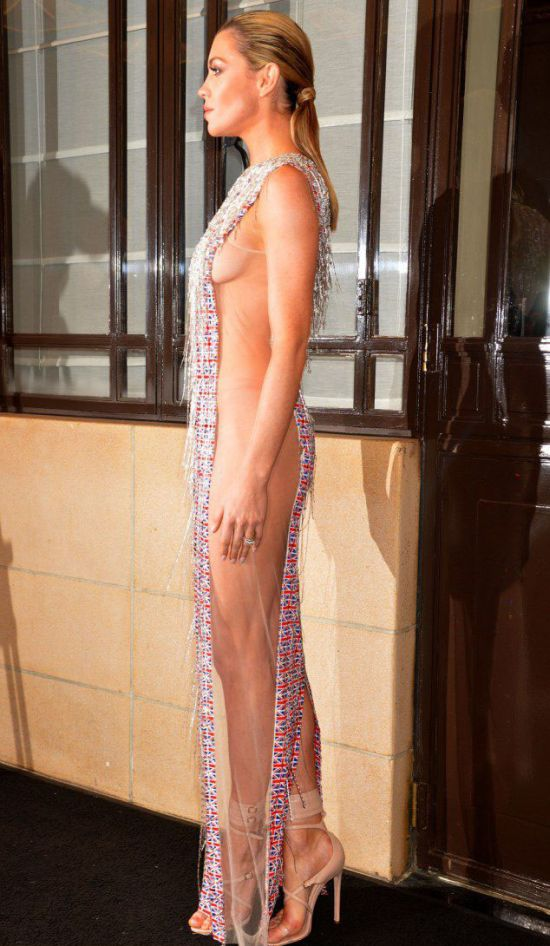 Abbey Clancy in a Sexy Dress (9 pics)