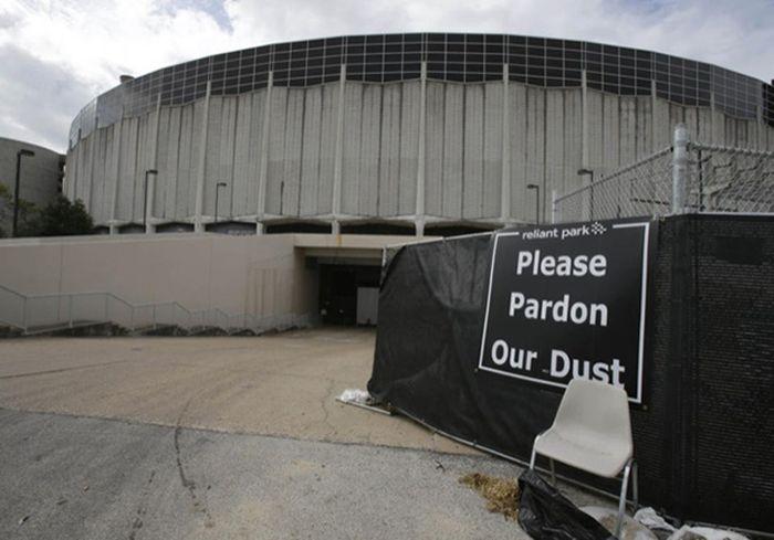 Abandoned Houston Astrodrome (20 pics)