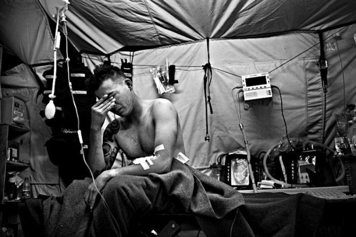 Medics in Afghanistan (35 pics)