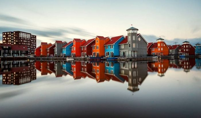 Mirrored Cities (21 pics)