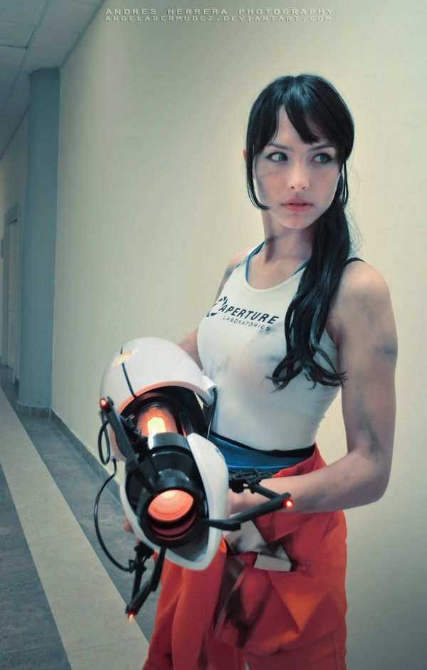 Angela Bermudez in Portal Cosplay Costume (5 pics)