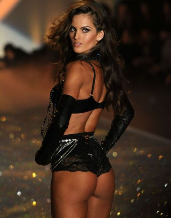 2013 Victorias Secret Fashion Show (84 pics)