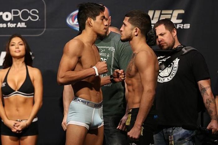 UFC 167 Weigh-In. Is It a Boner? (6 pics)