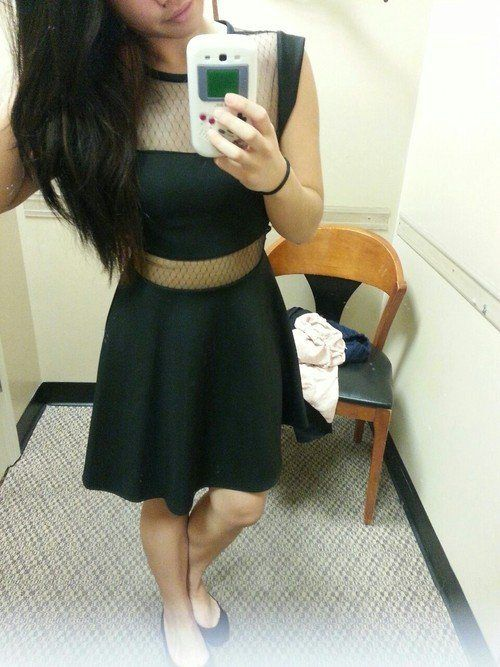 Girls in Mesh Dresses (35 pics)