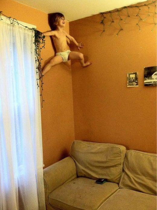 Kids Doing Weird Things. Part 2 (20 pics)