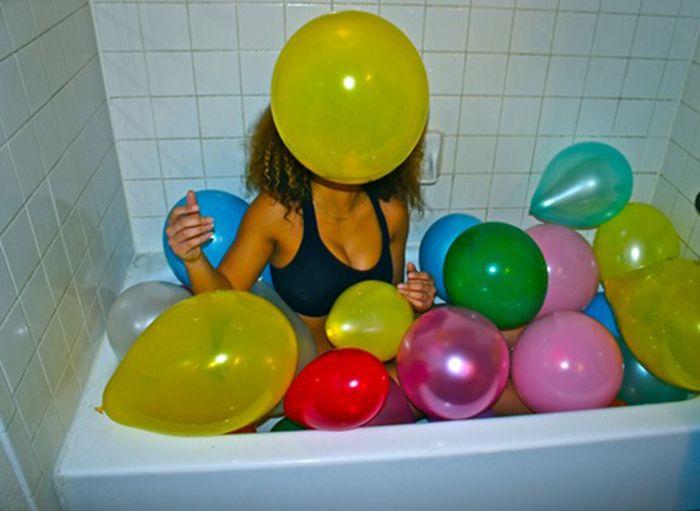 Bathing in Strange Things (39 pics)