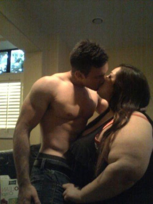Unusual Couple (22 pics)