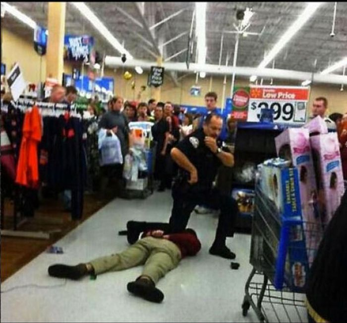 Funny Pictures About Black Friday (19 pics)