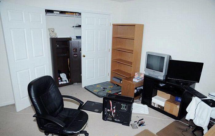 Inside the Bedroom of Adam Lanza (18 pics)