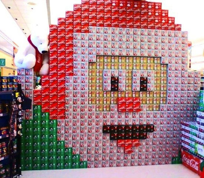 Holiday Soda Displays (15 pics)