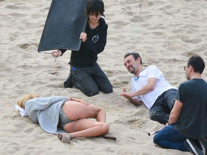 Kate Upton Photo Shooting on the Beach (10 pics)