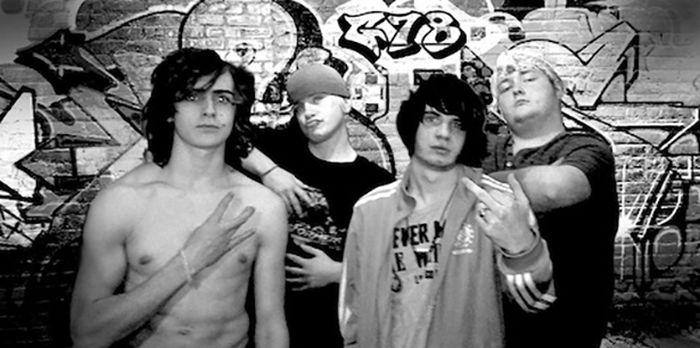 Awkward Band Photos (22 pics)