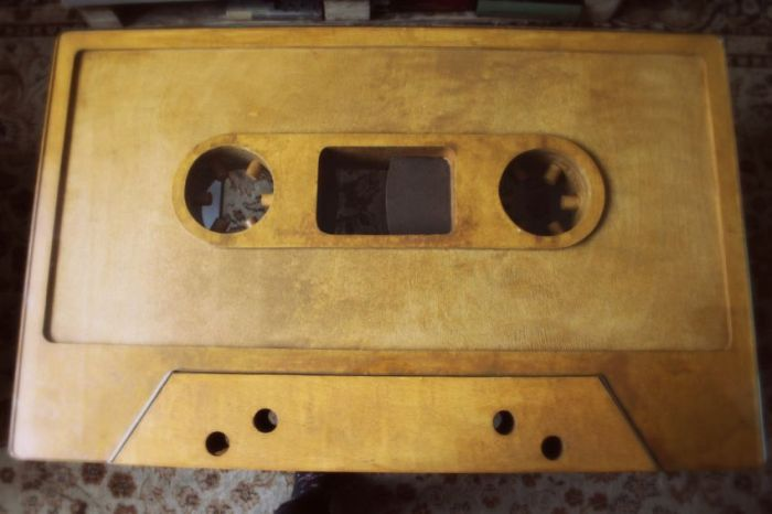 Audio Cassette Coffee Table (21 pics)