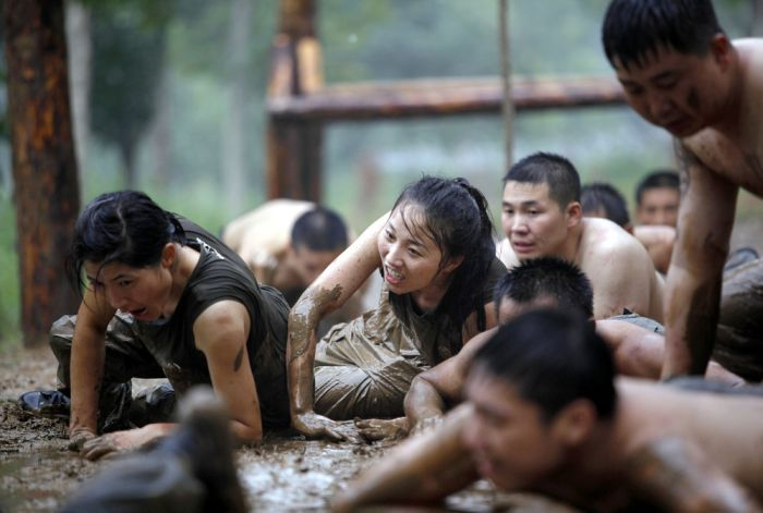 Female Bodyguard Training (11 pics)