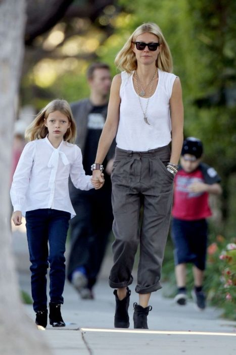 Celebrities and Their Children (16 pics)